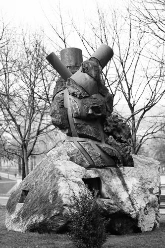 Monumeno a Santi Brouard