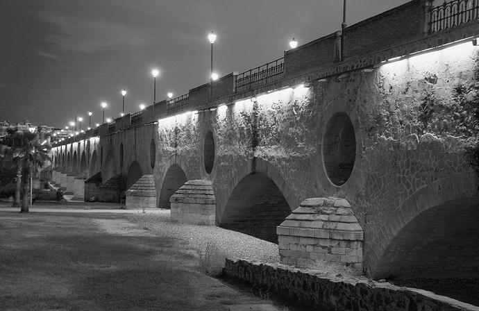 Ojos del Puente Viejo