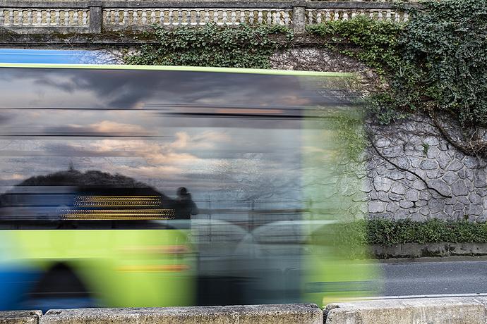 Autorretrato en bus (web)