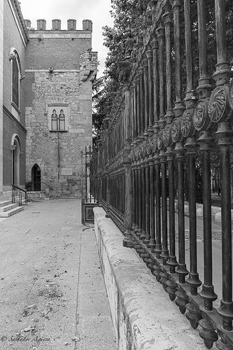 Rincón de Alcalá de Henares - Reja Obispado.-3775