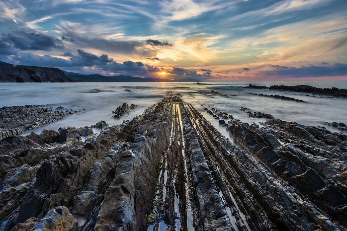 Flysch-Zumaia_MG_0270-HDRPS2000