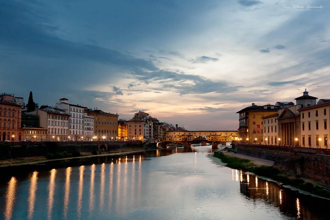 Florencia -  Atardecer Puente Vechio-2012