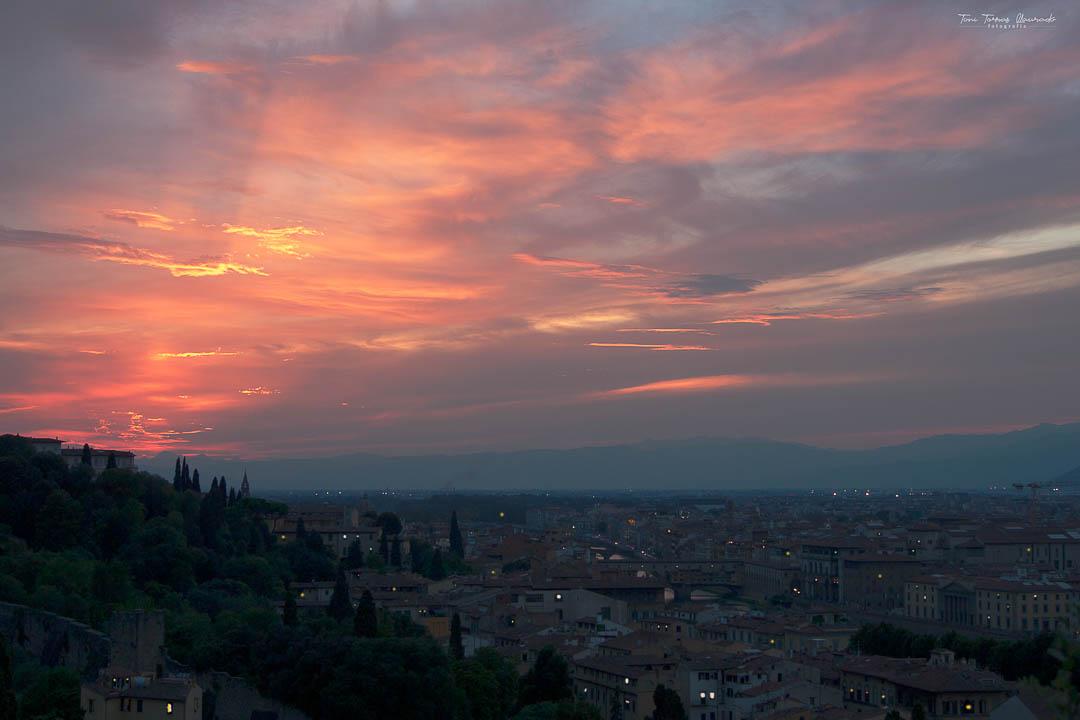 Ultimas luces en Florencia-2012